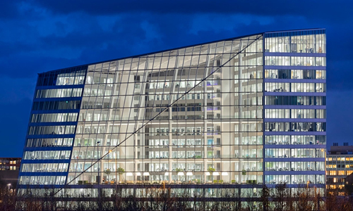 worlds-smartest-building-the-edge-amsterdam-sustainable-office-building